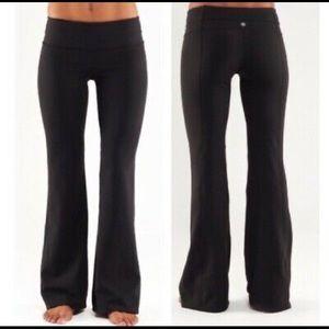 LULULEMON Reversible Black Groove Flare Pants